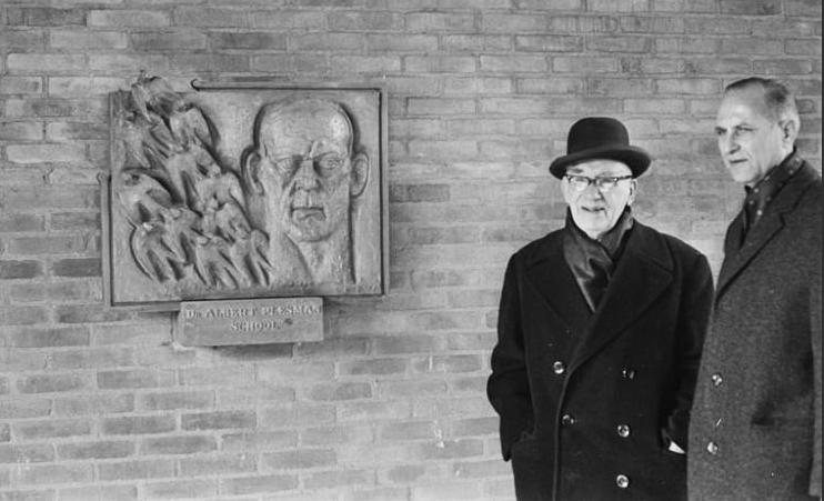 krop en plesman - foto: herman pietersen 06.03.1969 coll. hildo krop museum
