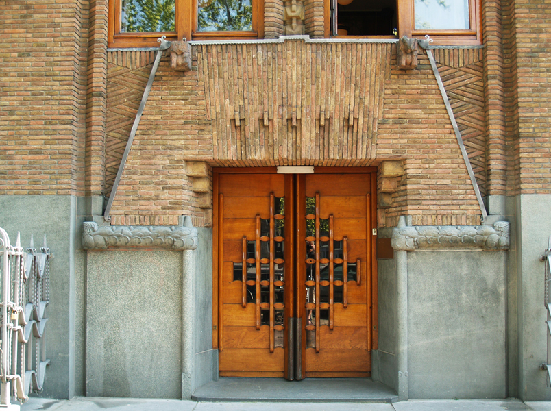 ingang zijde binnenkant - foto: loek van vlerken 20.04.2011