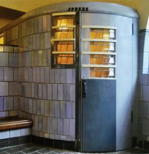 telefooncel interieur - foto:  loek van vlerken 03.02.2011