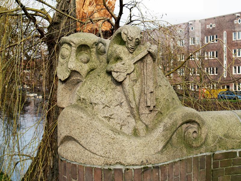 faun met mandoline - foto: loek van vlerken 17.02.2011