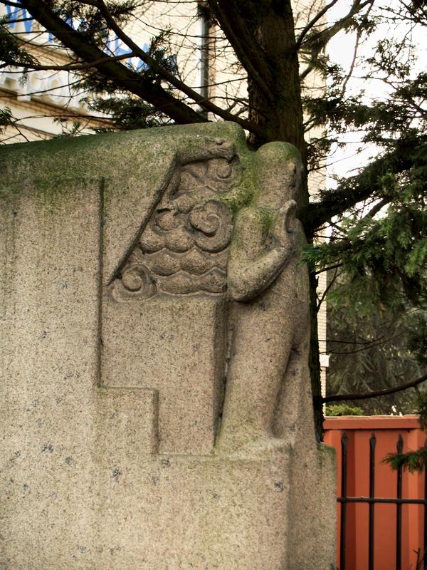 man met roofvogel - foto: loek van vlerken 17.02.2011