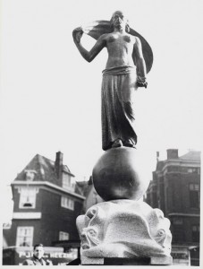 fortuna op het rokin ca.1950 - foto: hildo krop museum
