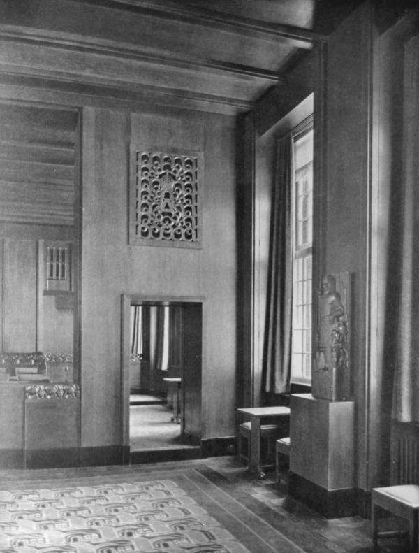 Raadszaal - foto: uitzichten en stroomingen in de kunstnijverheid, 1928