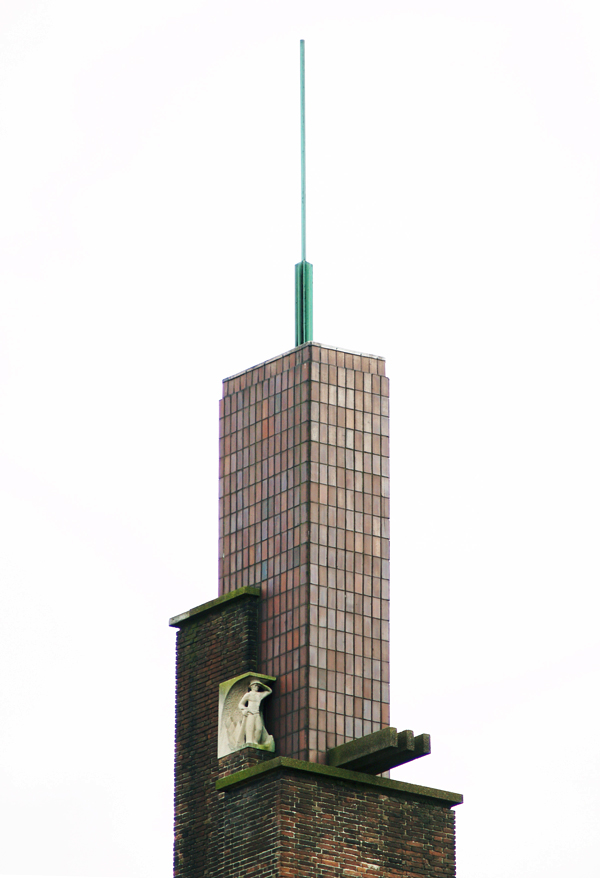 torenbekroning - foto: loek van vlerken 06.04.2011