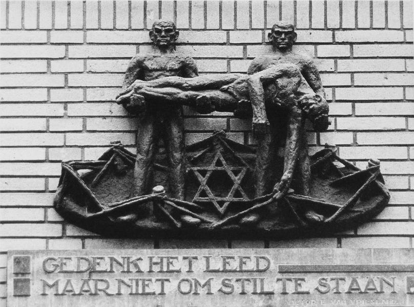 Monument voor Joodse Markthandelaren - foto: lagerweij-polak, datum onbekend