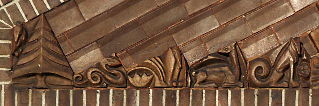 timpaan met faun (detail) - foto: loek van vlerken 28.11.2013