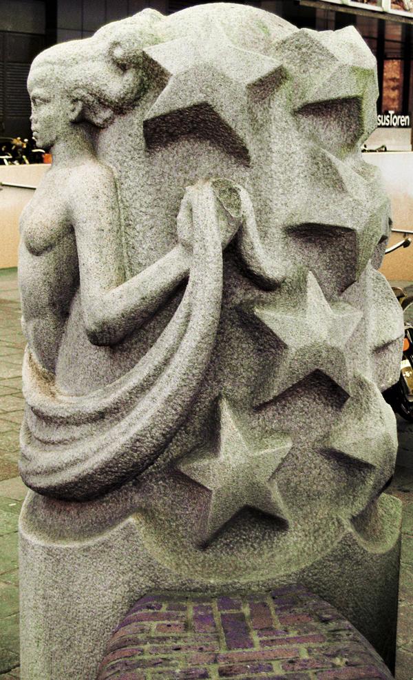 zwevende muze - foto: loek van vlerken 08.02.2011