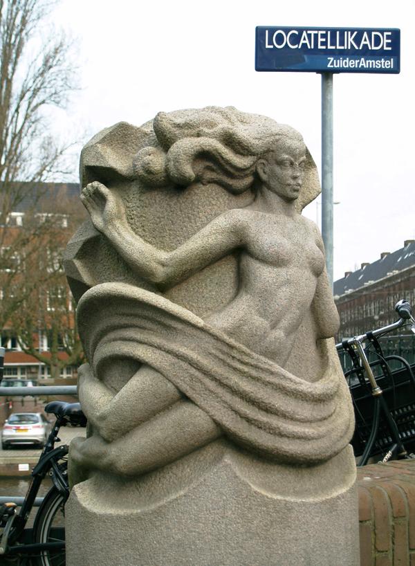 zwevende muze - foto: loek van vlerken 09.03.2012