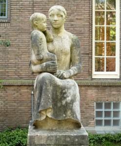 han wezelaar 'moeder en kind' - foto: loek van vlerken 20.01.2011