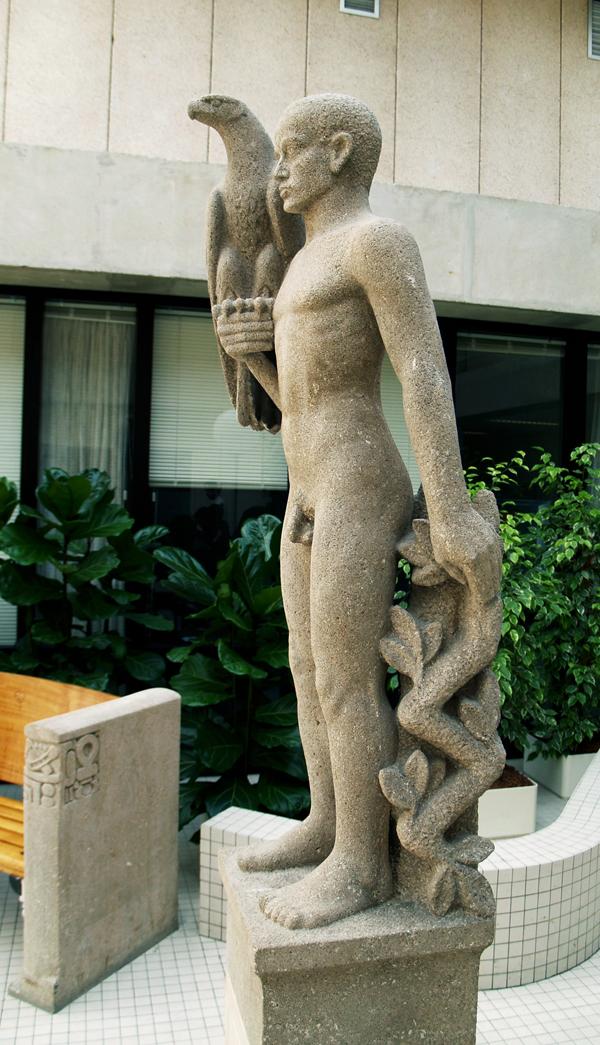 man met adelaar - foto: loek van vlerken 12.04.2011