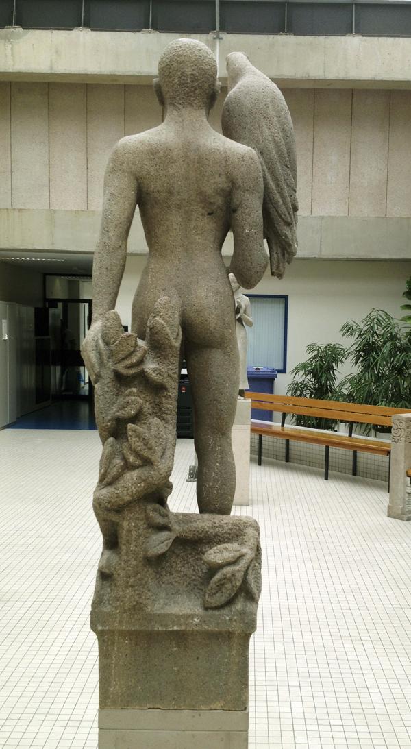 man met arend - foto: 12.04.2011
