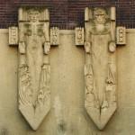 vrouw en man hoofdingang