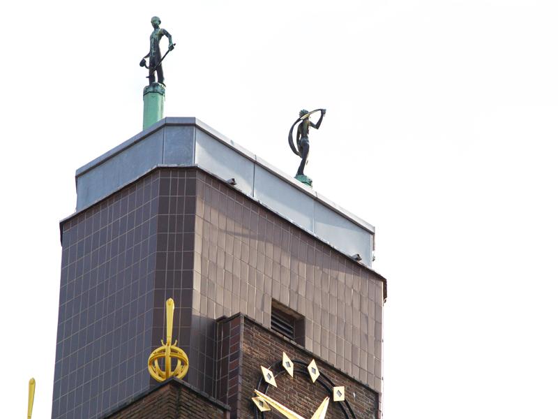 beelden op toren - foto: loek van vlerken 21.02.2011