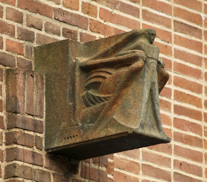 manfiguren met bliksemmotief - foto: loek van vlerken 01.03.2012