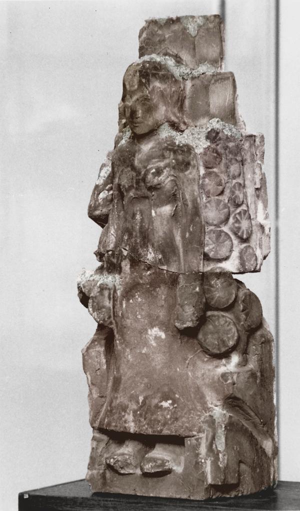 beeldje (vrouwenfiguur) - historische foto: archief hildo krop museum