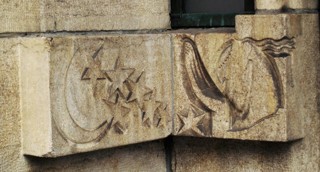 vrouwenkop met maan en sterren - foto: loek van vlerken 06.03.2012