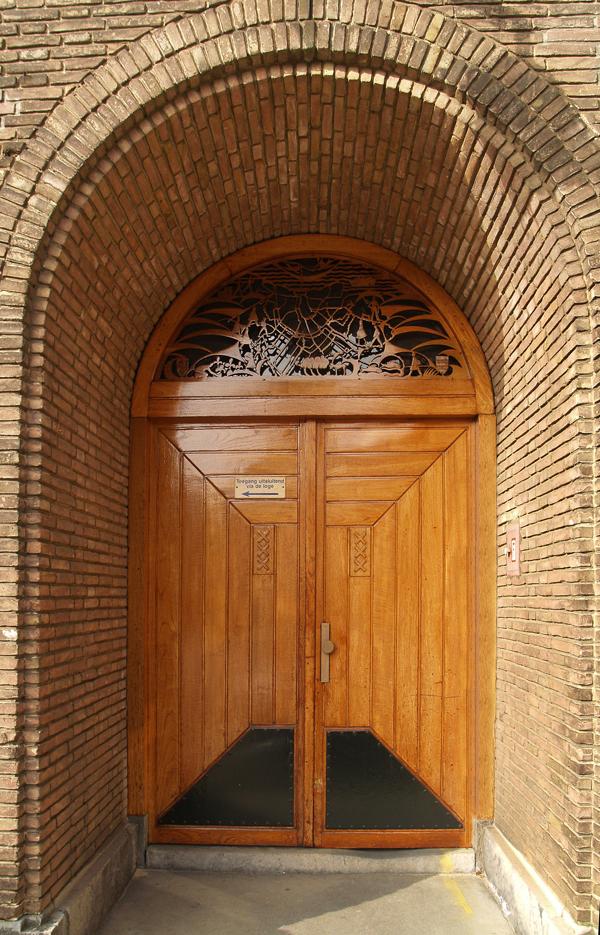 deuren ingang kantoor - foto: loek van vlerken 04.03.2011