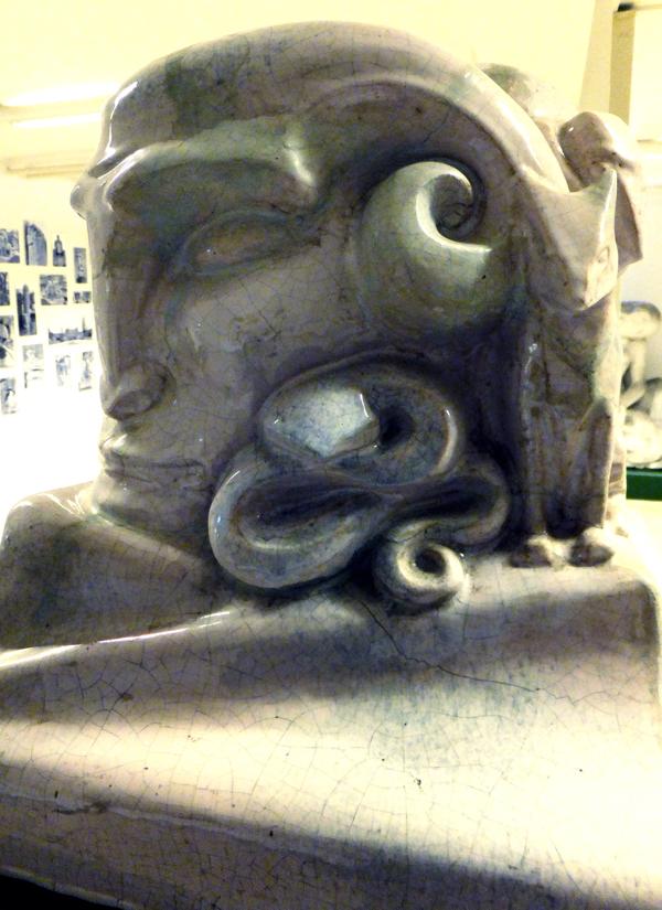 pan met slang (collectie hildo krop museum) - foto: loek van vlerken 04.06.2013