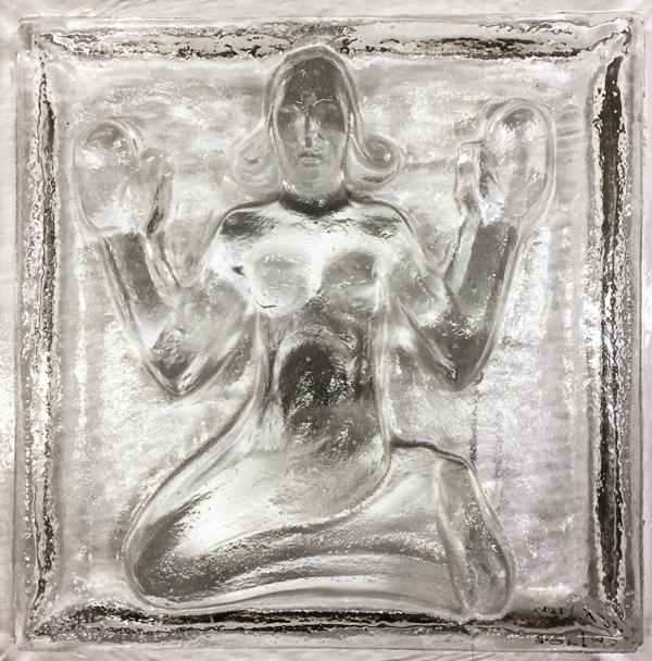 geknielde figuur - vrouw - foto: loek van vlerken - 12.12.2016