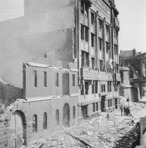 nationale levensverzekerings-bank, na bombardement mei 1940 - historische foto (nationale nederlanden)