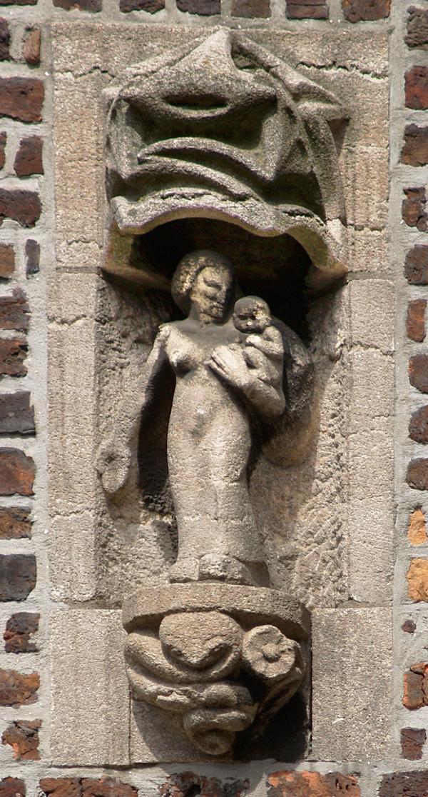 vrouw met kind - foto: loek van vlerken 06.05.2011