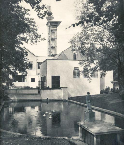 tuinbeeld op originele plaats - historische foto