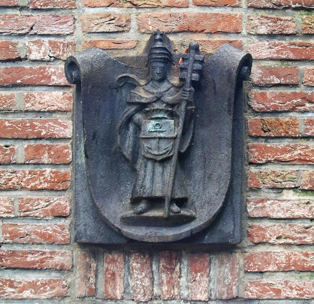 st.clemens (achterzijde monument) - foto: loek van vlerken 13.10.2016