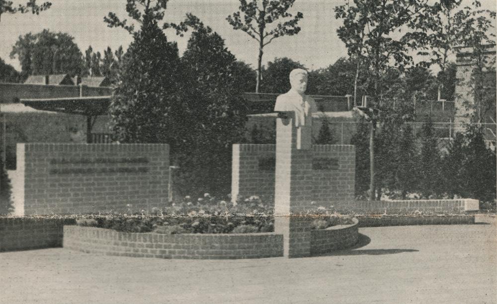 monument a.a.c. de vries robbe - foto: hildo krop museum - 1942