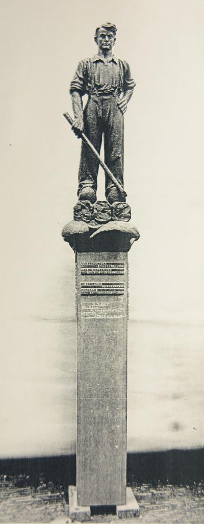 monument dijkwerker - moskou - foto: collectie hildo krop museum