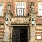 ingang stadhuis leiden