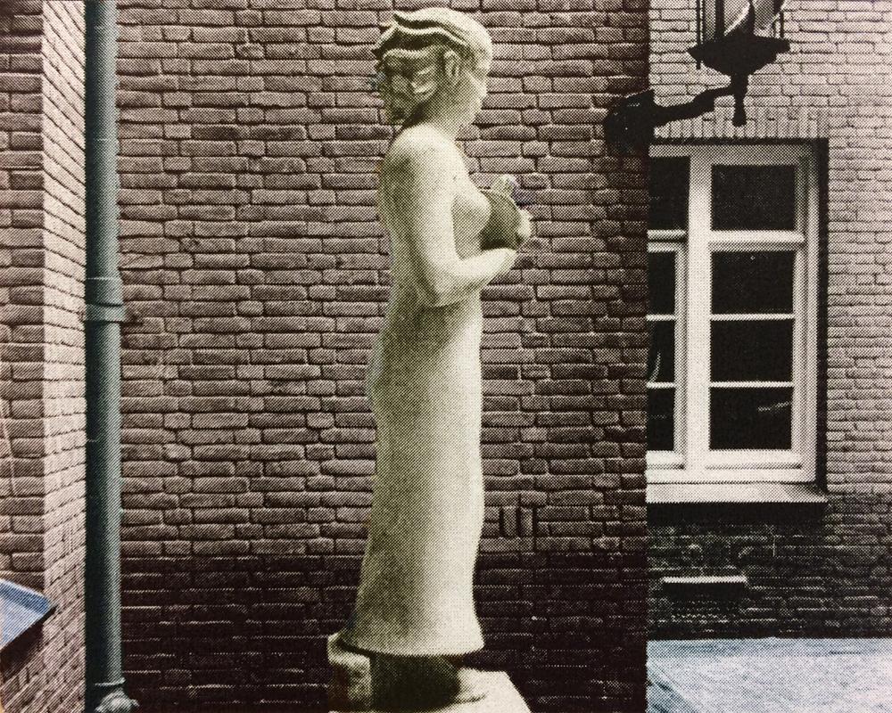 staand meisje met vogel - oorspronkelijke locatie WG terrein - foto: hildo krop museum
