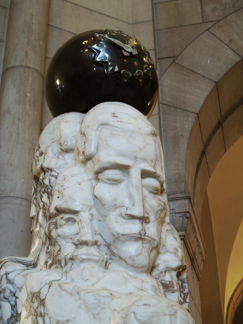 monumentale klok - foto: loek van vlerken 30.07.2012