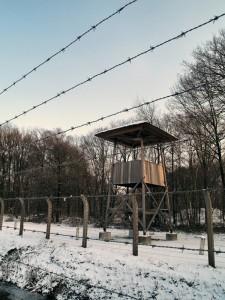 Reconstructie wachttoren buitenterrein herinneringscentrum foto 8-1-2010